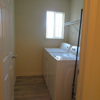 MERIDIAN - Full size washer/dryer (2 BEDROOM/2 BATH)