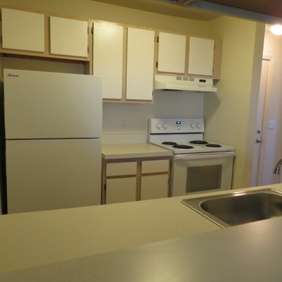 MERIDIAN - KITCHEN (2 BEDROOM/2 BATH)